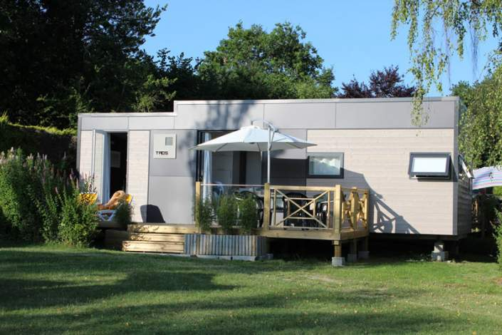 façade du mobil home taos 3 chambres camping de la piscine bretagne